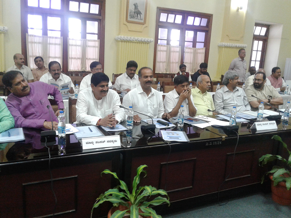 Meeting in Vidhana on Water Issues